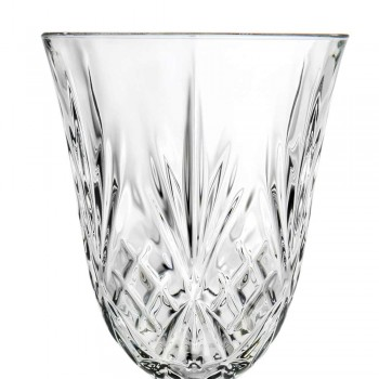 12 gota verë, ujë, koktej në stilin ekologjik të kristalit ekologjik - kantabile