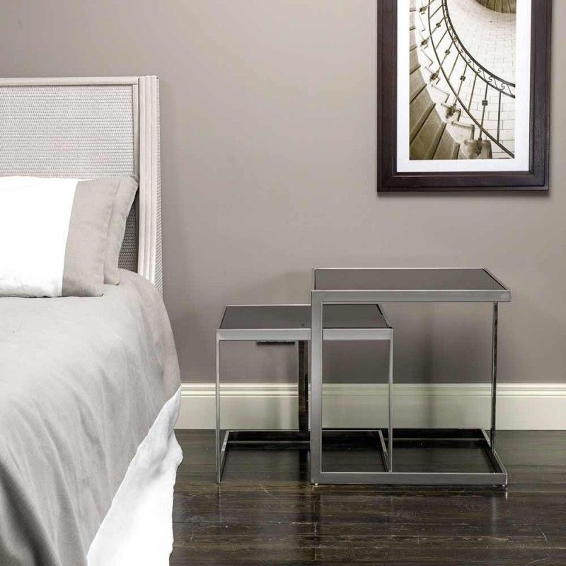 2 tavolina kafeje me dizajn modern në çelik me majën e qelqit Bubbi