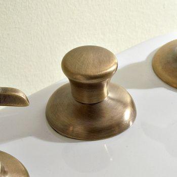 Bidet i dorëzimit të bronzit dhe fluturave për dorëzimin e brendshëm në bidet 3 vrima - Miriano