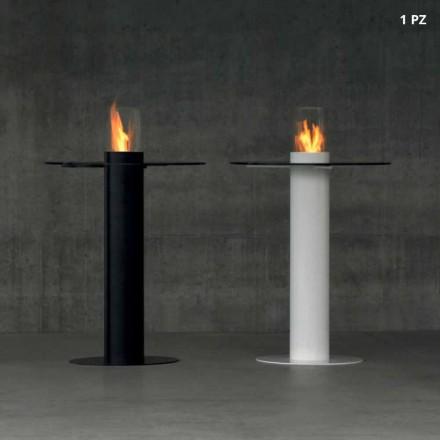 Tavolinë në natyrë me djegës të bioethanolit dhe dekanit të lartë të qelqit