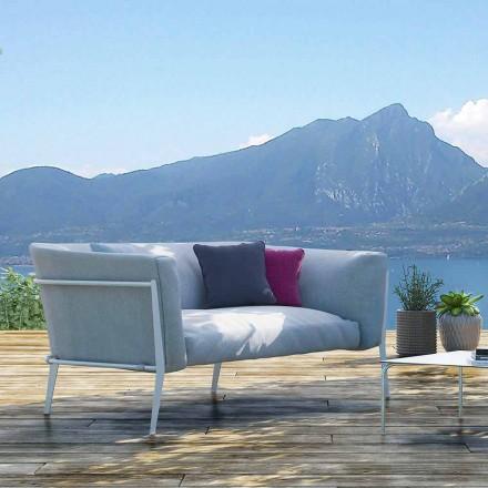 Divane moderne në natyrë ose shtëpie me një model të heqshëm të bërë në Itali - Carmine