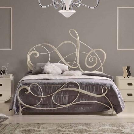 Krevat dopio hekuri i punuar, model klasik, i punuar me dorë në Itali