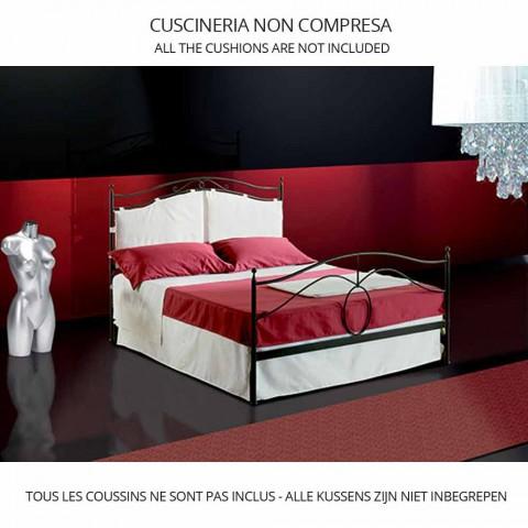 Një shtrat dhe një gjysmë katror Cassiopeia të punuar prej hekuri