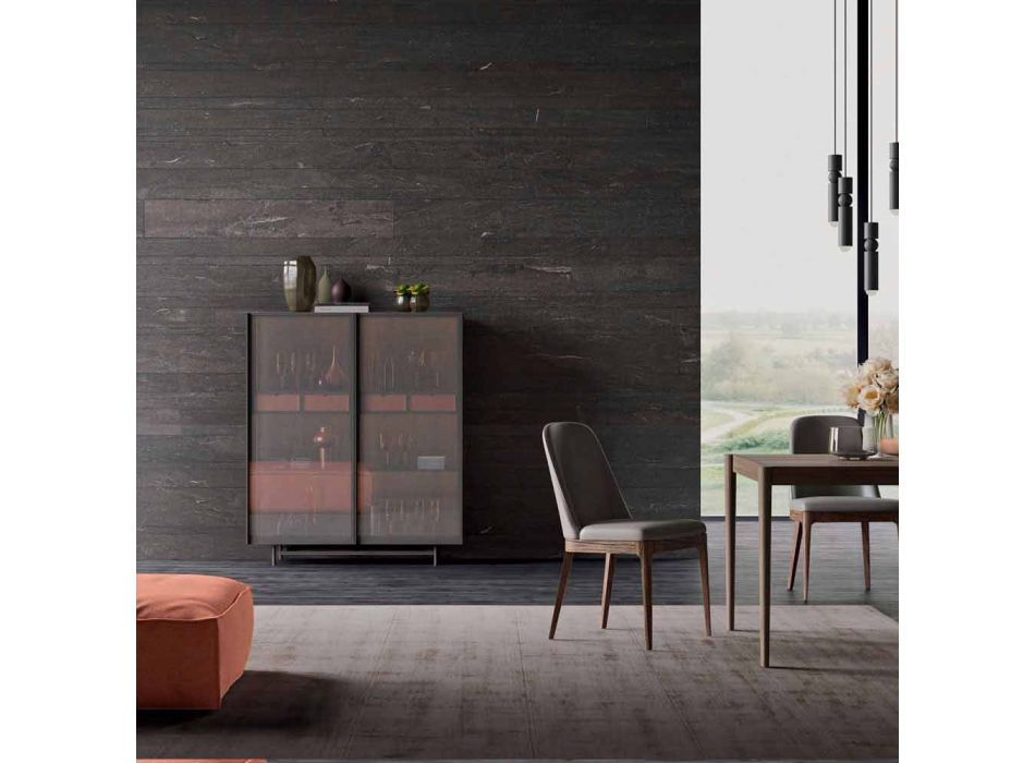 Bordi anësor me dy dyer në dhomën e ndenjes ose hyrjen për projektin ekologjik të drurit dhe metalit - Aaron