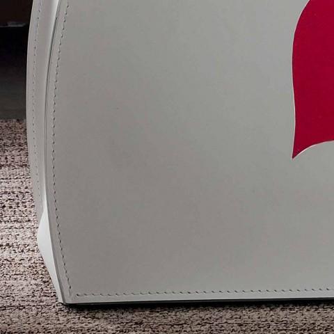 Design raft revistë në lëkurë me një dizajn modern Beatrice