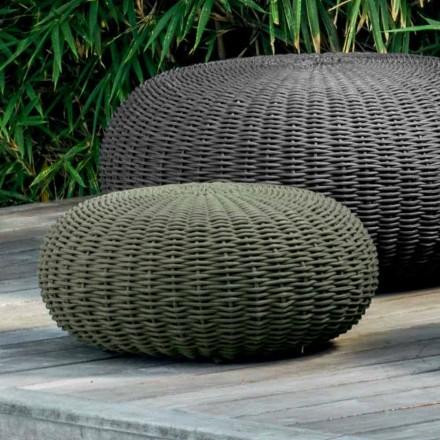 Pupë e vogël dhe xhaketë e rrumbullakët nga Talenti me deshire moderne për kopsht