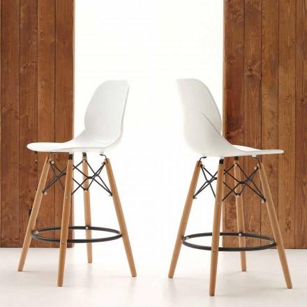 Streta moderne e projektimit Torretta, e bërë nga druri i ngurtë dhe polipropileni
