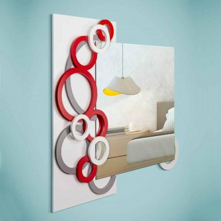Pasqyra e murit të bardhë me gri të kuq Pasqyrë në dru - iluzion