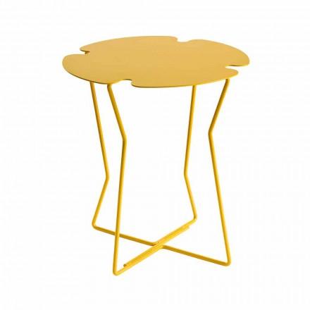Tavolinë kafeje në natyrë me ngjyra metalike me dizajn modern