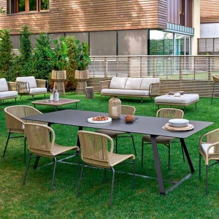 Tavolinë ngrënieje në natyrë, shumë masa në dispozicion, Kolonaki Varaschi
